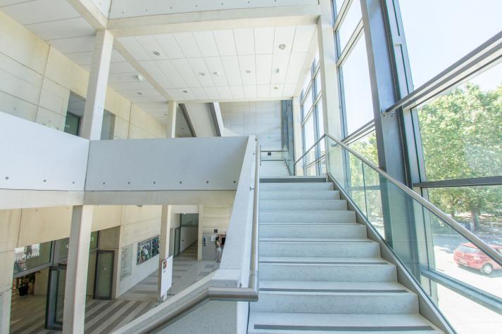 Escalier du hall d'entrée de Saint-Charles